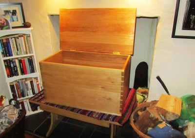 Cist Flancedi | Blanket Chest