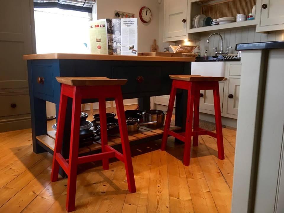 Stolion Lliw | Colour Barstools