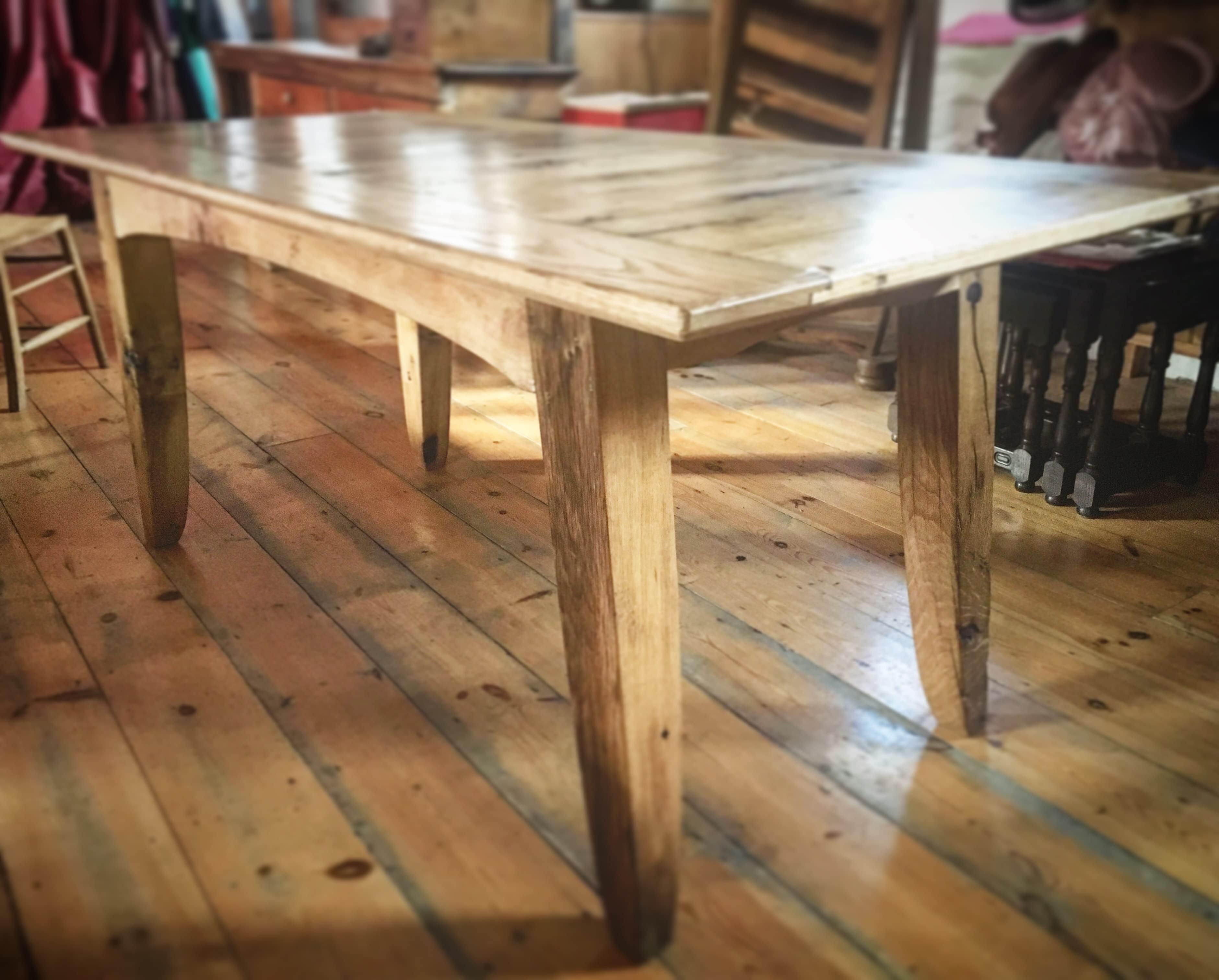 Bwrdd Bwyta – Dining Table