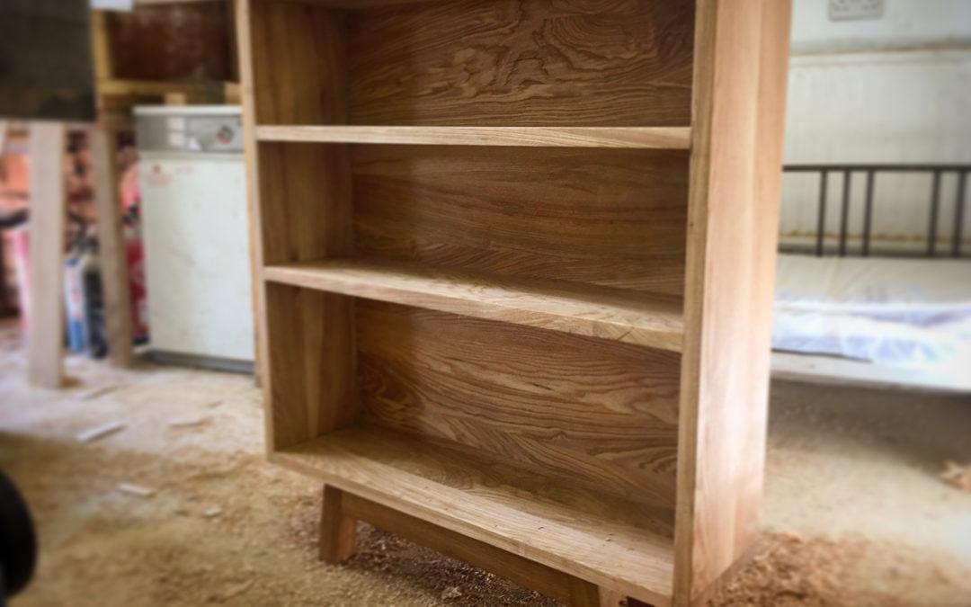 Silffoedd Llyfrau – Ash Bookshelves