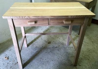 Desg Ynn Yr Ysgwrn – Welsh Ash Desk