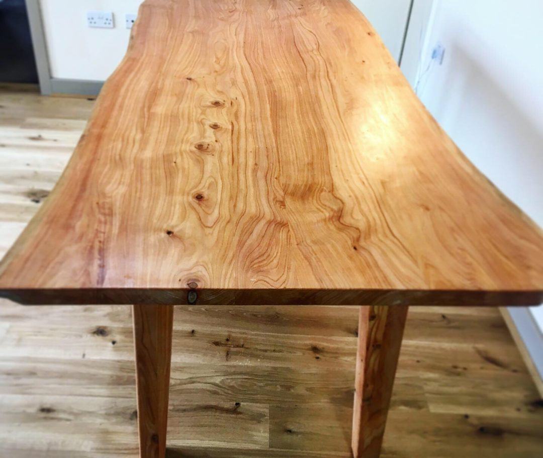 Bwrdd Bwyd Cypreswydden – Cypress Dining Table